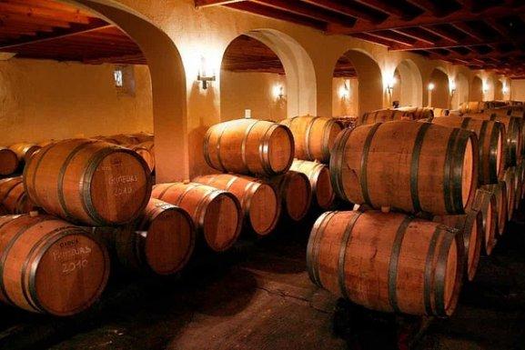Hàng triệu lít rượu vang Pháp biến thành nước rửa tay