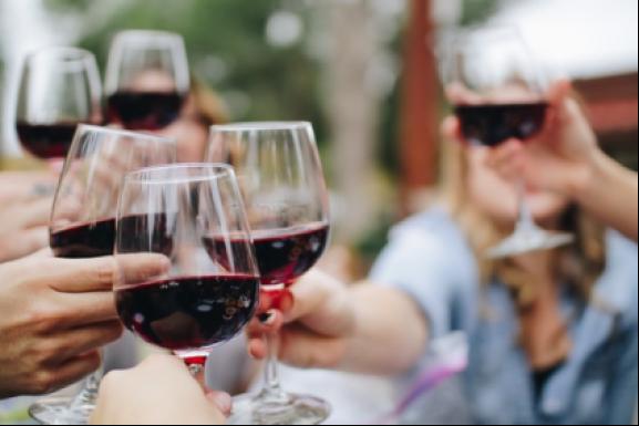 Quà tặng năm mới 2021 - Đón xuân bình an bên ly rượu tết