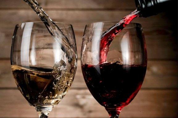 Uống rượu vang có gây béo?